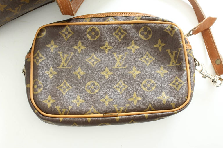 Louis Vuitton Sac Plat Monogram Tote Bag + Removable Pouch French Company 1970s For Sale 3