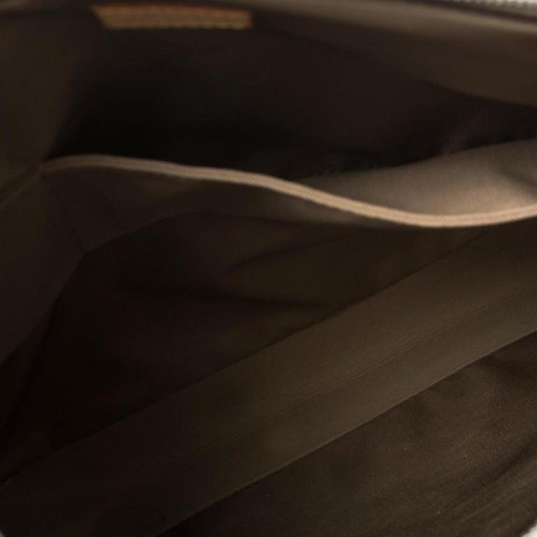 Louis Vuitton Sand Damier Geant Canvas Vertical Messenger Bag For Sale 1
