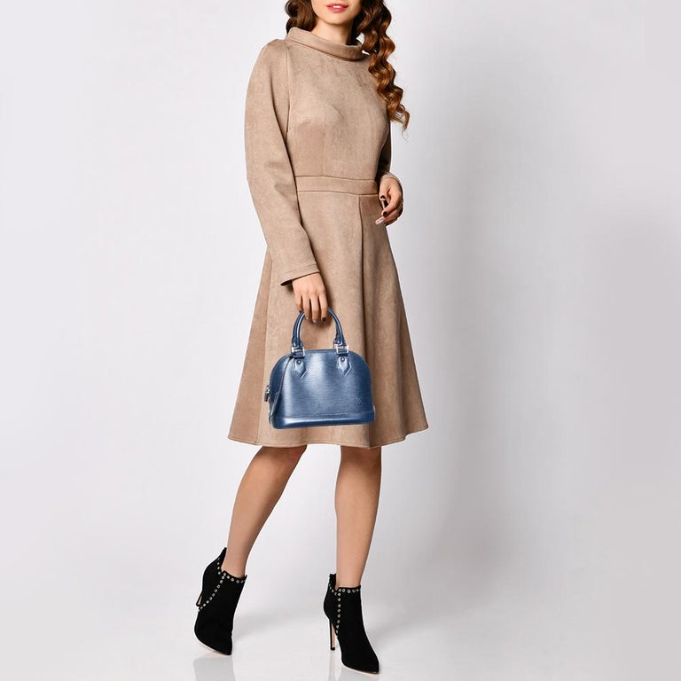 Out of all the irresistible handbags from Louis Vuitton, the Alma is the most structured one. First introduced in 1934 by Gaston-Louis Vuitton, the Alma is a classic that has received love from icons. This piece comes crafted from Epi leather,