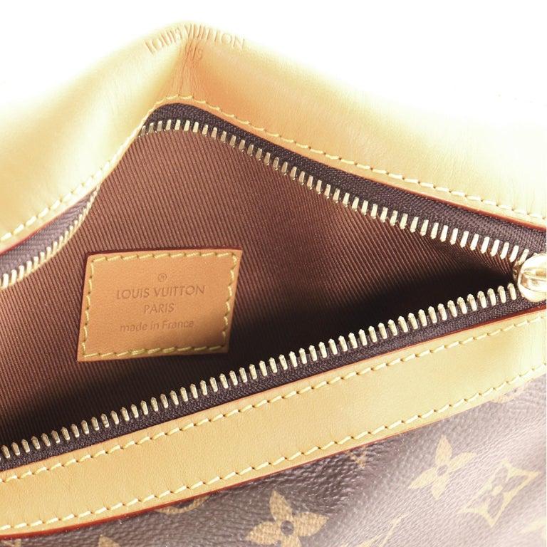 Louis Vuitton Saumur Messenger Bag Monogram Canvas PM For Sale 2