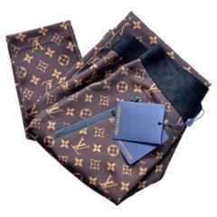 Louis Vuitton Shiny Monogram Leggings  SZ40  NEW With Tags
