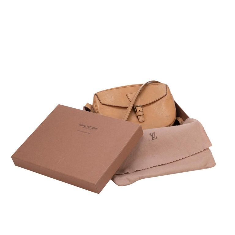 Louis Vuitton Shoulder Bag For Sale 9