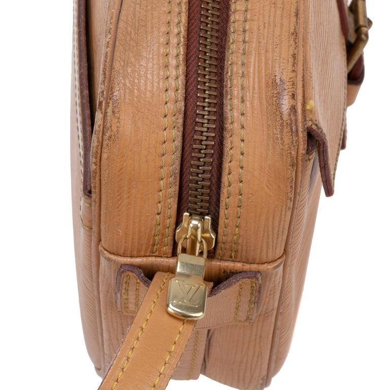 Louis Vuitton Shoulder Bag In Good Condition For Sale In Paris, Paris