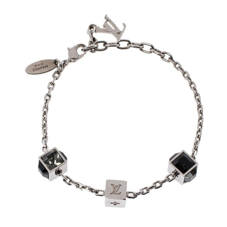 Contemporary Louis Vuitton Silver Tone Gamble Crystal Bracelet For Sale