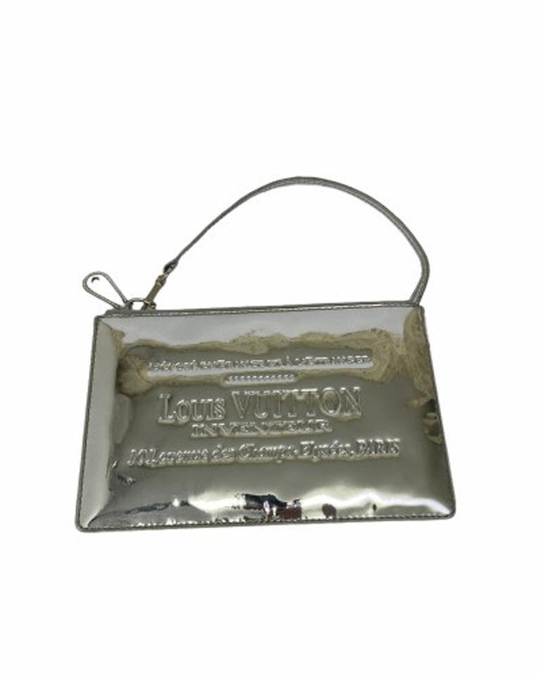 Louis Vuitton Silver Vernice Miroir Pochette LE  For Sale 1