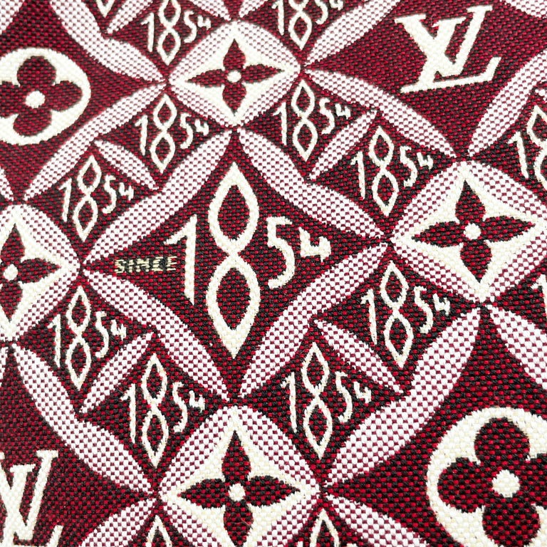 Louis Vuitton Since 1854 Neverfull Tote Bag Bordeaux + Removable Pouch in Box  In Excellent Condition For Sale In Port Saint Lucie, FL