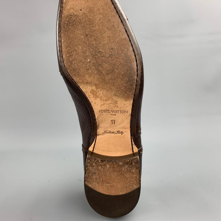 LOUIS VUITTON Size 12 Brown Textured Leather Cap Toe Lace Up Shoes For Sale 3