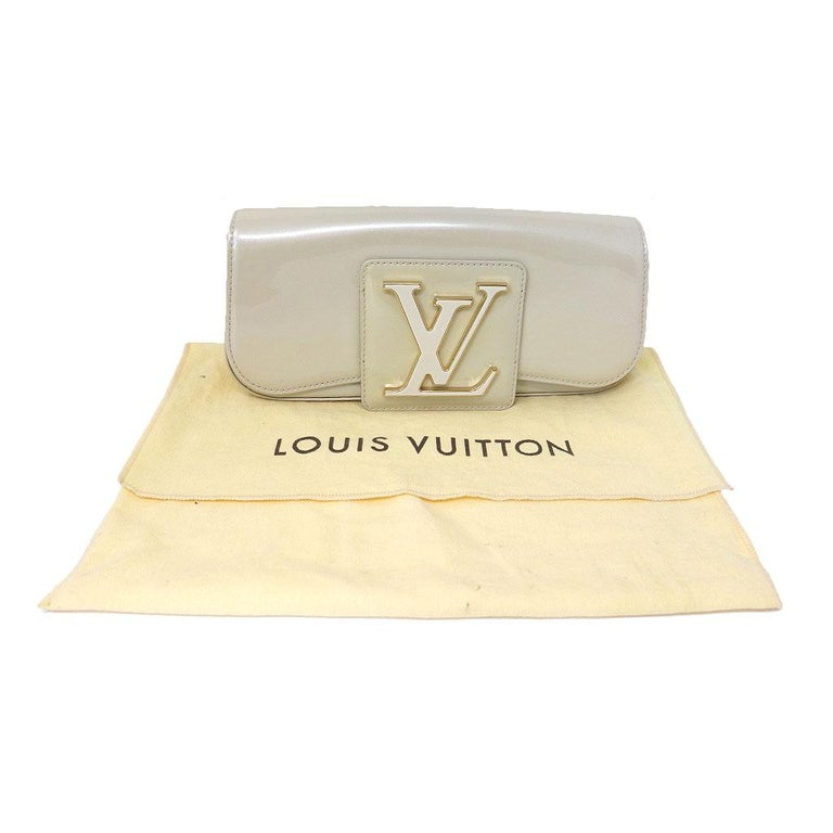 8a86951e4f Louis Vuitton Sobe Blanc Corail Patent Leather Beige Clutch GHW For Sale 4