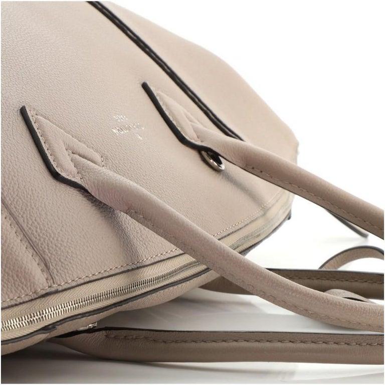 Louis Vuitton Soft Lockit Handbag Leather MM For Sale 3