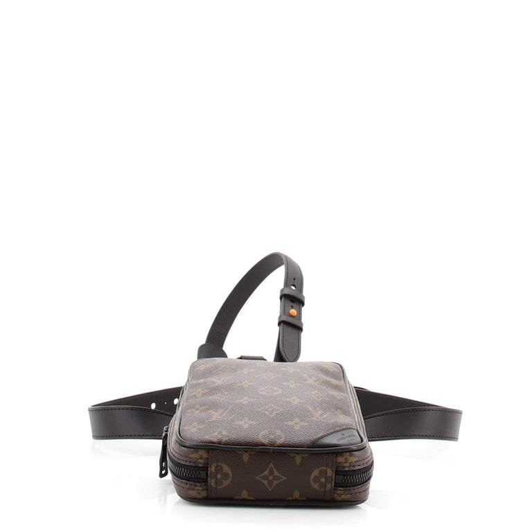 Louis Vuitton Solar Ray Utility Side Bag Monogram Canvas In Good Condition For Sale In New York, NY