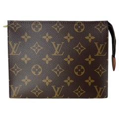 Louis Vuitton SOLD OUT DISCONTINUED Monogram Toiletry Pouch 19 Bag