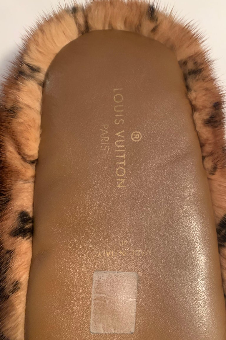 Women's or Men's Louis Vuitton SOLD OUT Mink Fur Natural Dreamy Monogram Loafer Slippers sz 40 For Sale