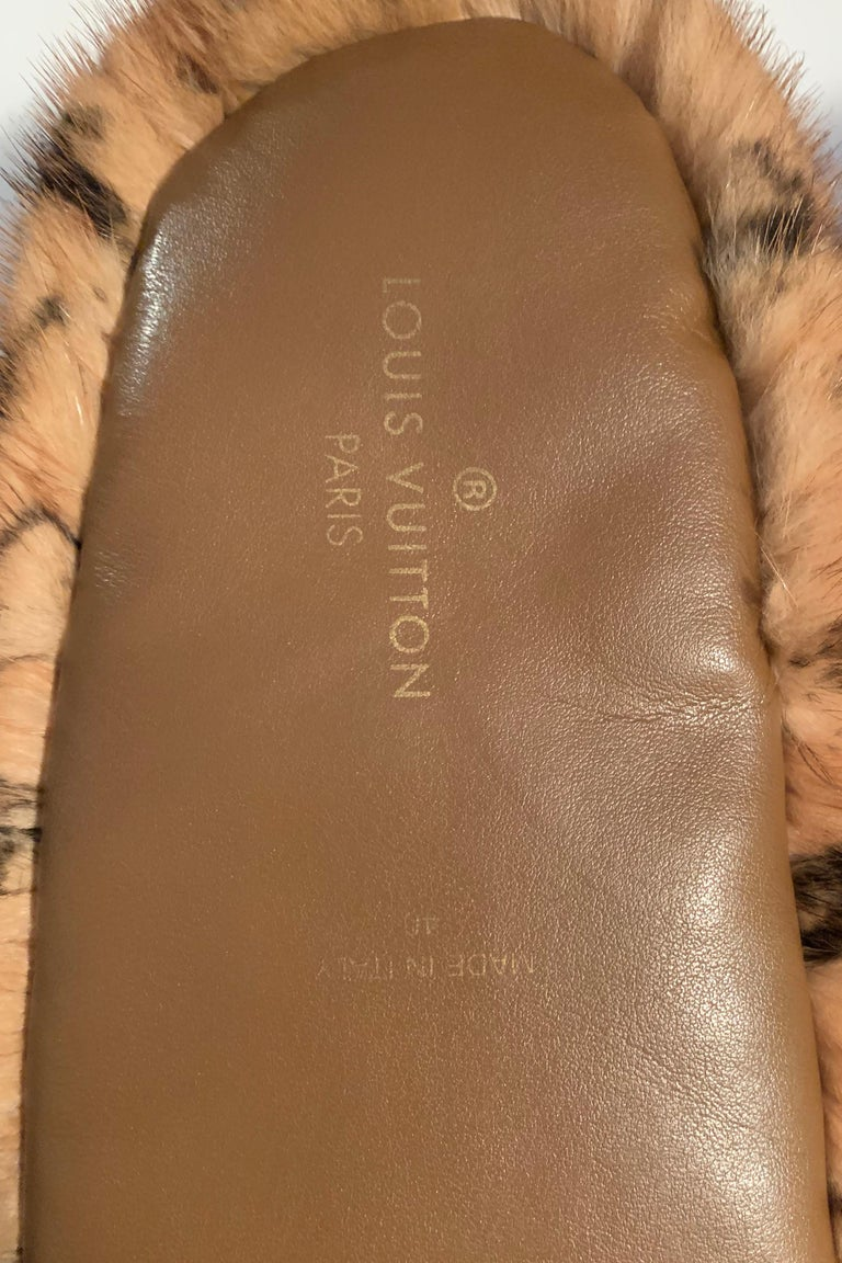 Louis Vuitton SOLD OUT Mink Fur Natural Dreamy Monogram Loafer Slippers sz 40 For Sale 1