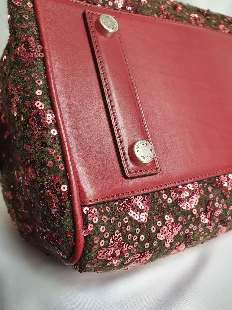 Louis Vuitton, Speedy 30 Limited edition in burgundy cloth For Sale 3