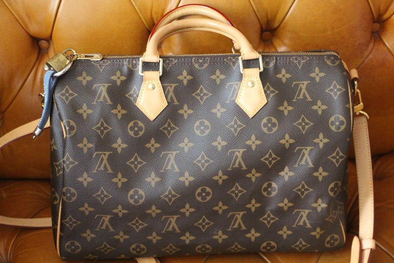Women's or Men's Louis Vuitton Speedy 35 Bag For Sale