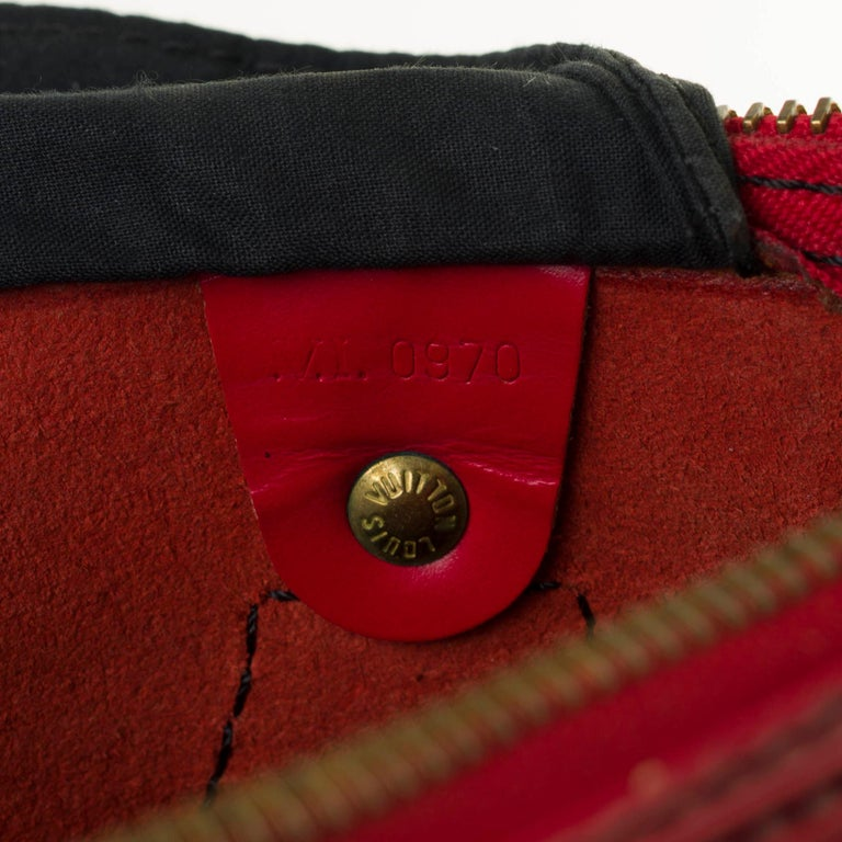 Louis Vuitton Speedy 35 handbag in red épi leather For Sale 1