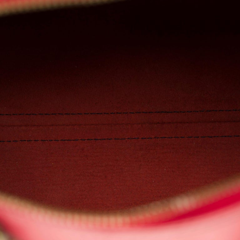 Louis Vuitton Speedy 35 handbag in red épi leather For Sale 2