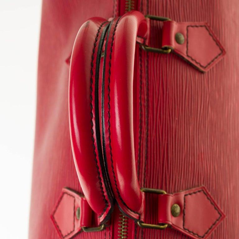 Louis Vuitton Speedy 35 handbag in red épi leather For Sale 3