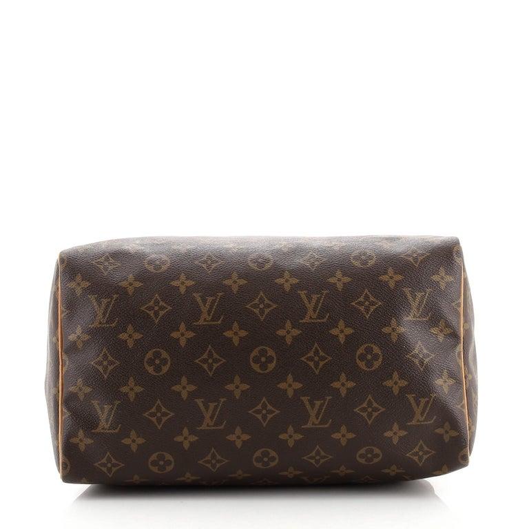 Louis Vuitton  Speedy Handbag Monogram Canvas 30 In Good Condition For Sale In New York, NY