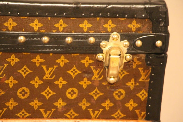 Louis Vuitton Steamer Trunk, Louis Vuitton Cube Trunk, Louis Vuitton Trunk In Good Condition For Sale In Saint-Ouen, FR