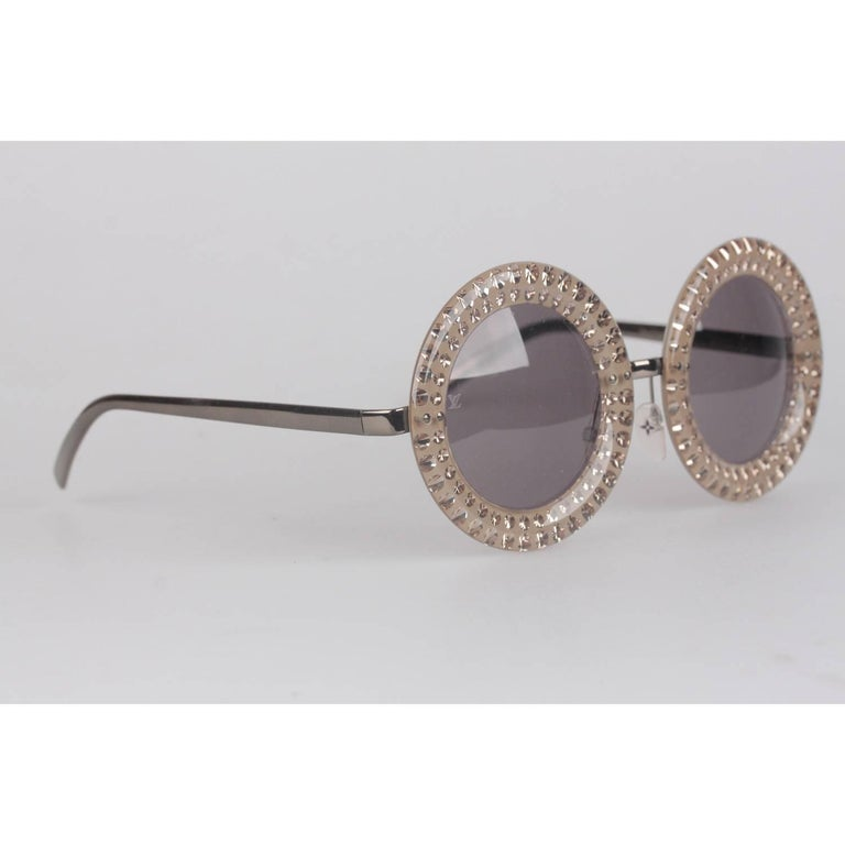 Gray Louis Vuitton Strass Large Round Model Nelly Sunglasses Z0505U   For Sale