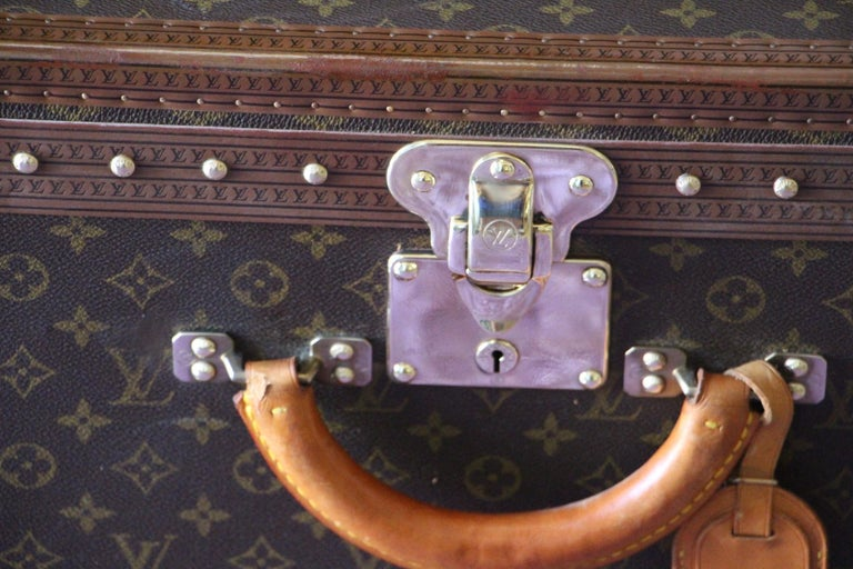 Louis Vuitton Suitcase, Alzer 80 Louis Vuitton Suitcase,Large Vuitton Suitcase In Excellent Condition For Sale In Saint-ouen, FR