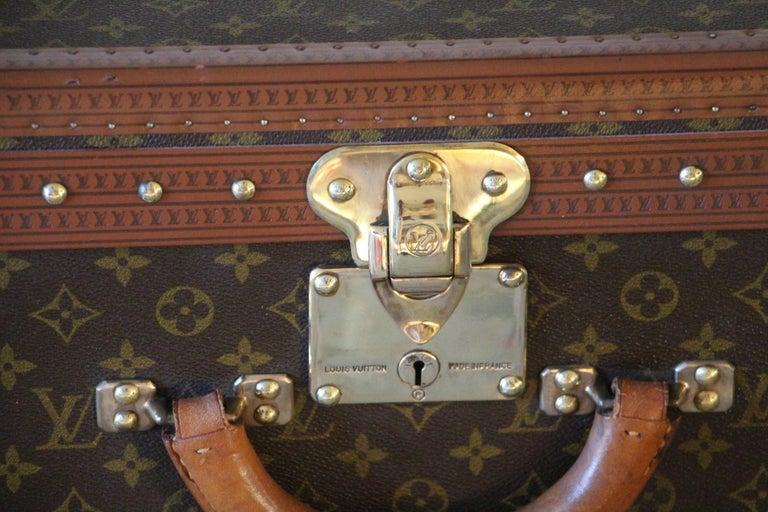Louis Vuitton Suitcase, Alzer 80 Louis Vuitton Suitcase,Large Vuitton Suitcase In Excellent Condition For Sale In Saint-ouen, FR