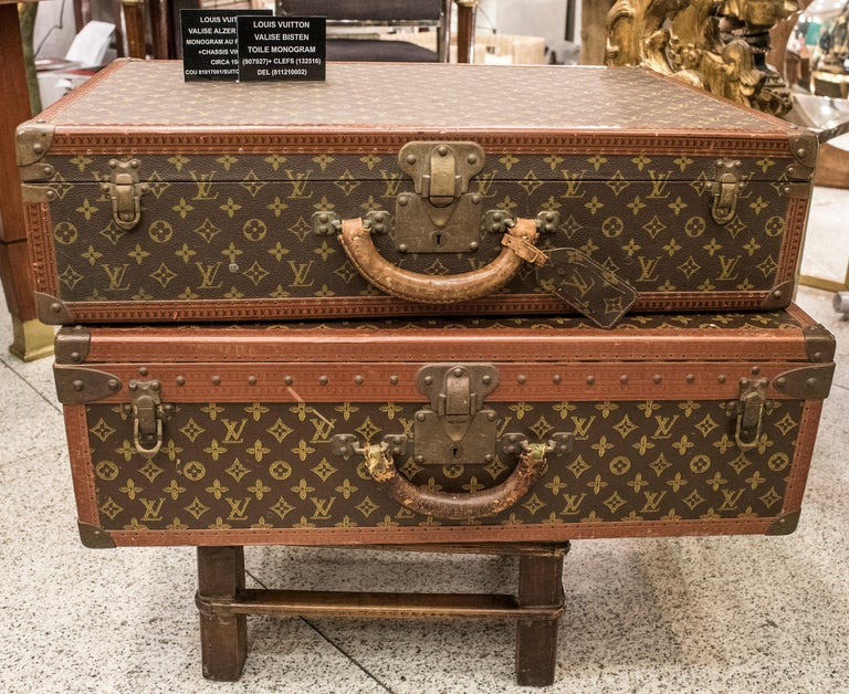 Louis Vuitton Valise Bisten, toile monogram (907927) and keys (132516) DEL ( 811210002). In a very good condition! Amazing, a touch of class anywhere.