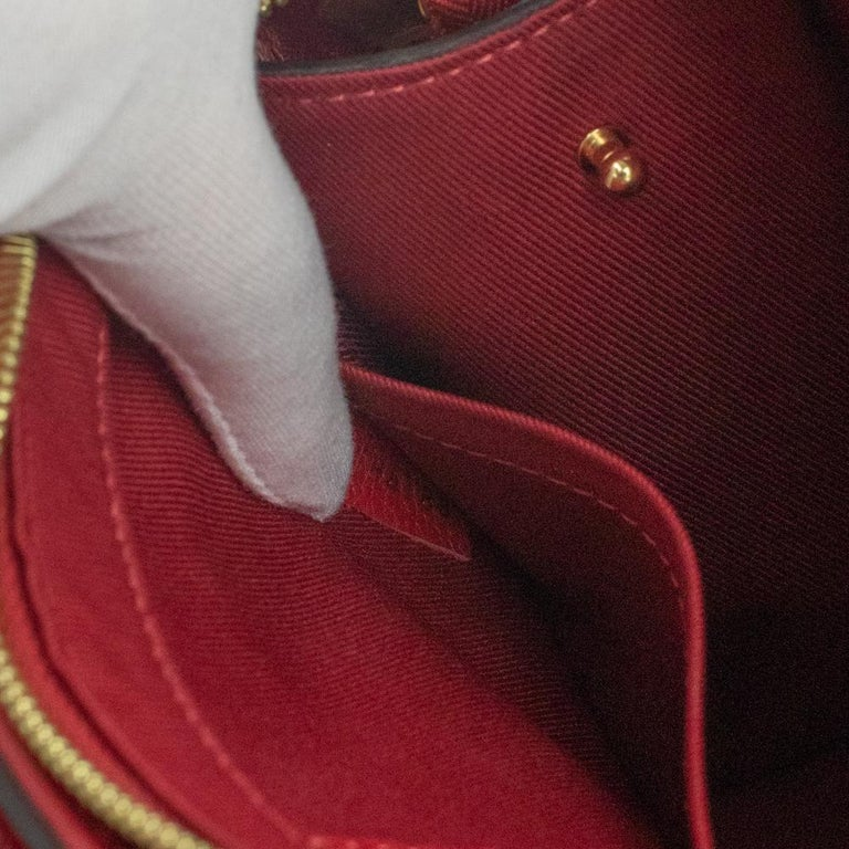 Louis Vuitton, Sully in red leather For Sale 3