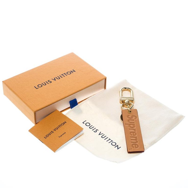 Women's Louis Vuitton Supreme Logo Brown Leather Key Ring / Keychain For Sale