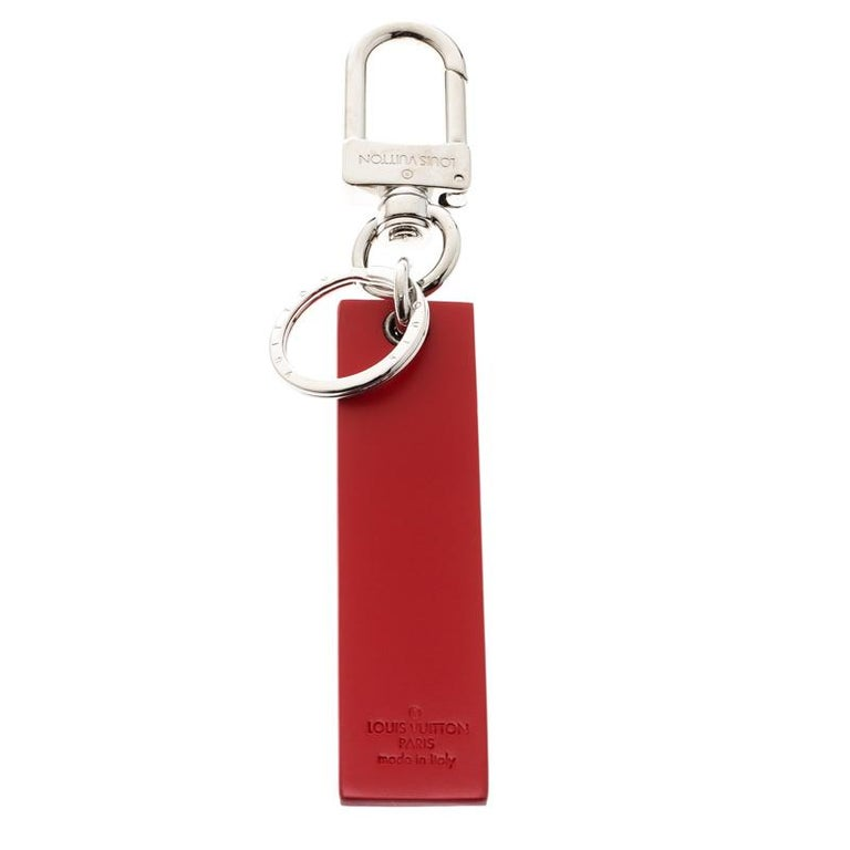 The collaboration between Louis Vuitton and NYC streetwear brand, Supreme, is one that introduced a whole new demographic of LV lovers to street fashion and vice versa. We have here a key ring from that collection and it is clearly something that