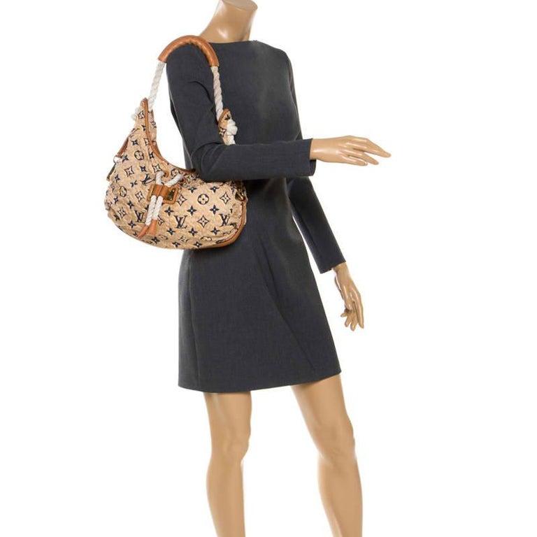 Louis Vuitton Tan Monogram Nylon Limited Edition Bulles MM Bag In Good Condition For Sale In Dubai, Al Qouz 2