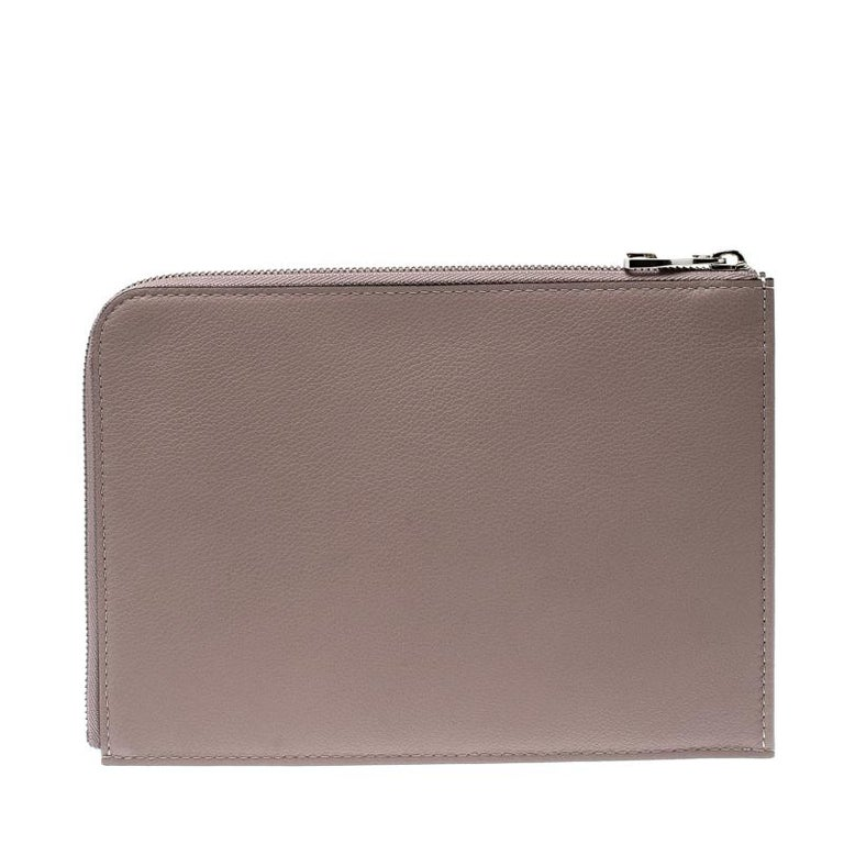 Louis Vuitton Taupe Leather Jules PM Pochette In Excellent Condition For Sale In Dubai, Al Qouz 2