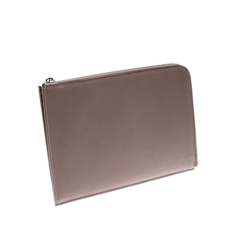 Women's Louis Vuitton Taupe Leather Jules PM Pochette For Sale