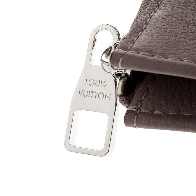 Louis Vuitton Taupe Leather Jules PM Pochette For Sale 4