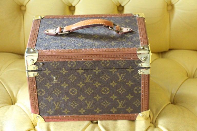 Women's or Men's Louis Vuitton Train Case, Louis Vuitton Beauty Case For Sale