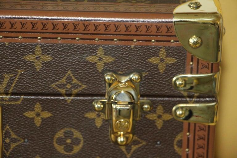 Louis Vuitton Train Case, Louis Vuitton Boite Pharmacie, Louis Vuitton Case In Excellent Condition For Sale In Saint-ouen, FR