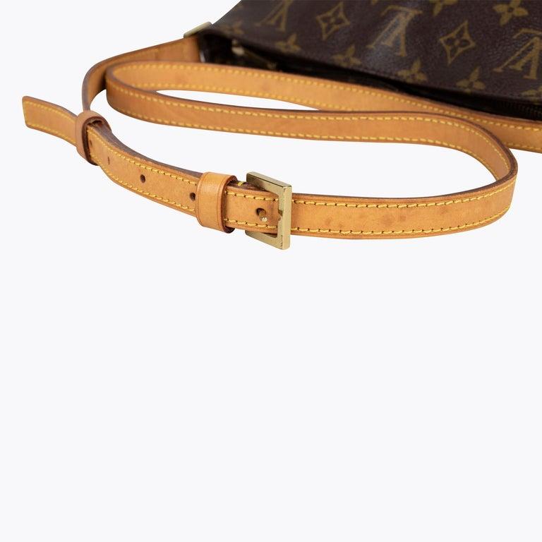 Louis Vuitton Trotteur Crossbody Bag For Sale 5