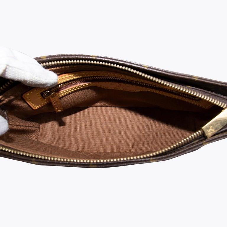 Louis Vuitton Trotteur Crossbody Bag For Sale 1