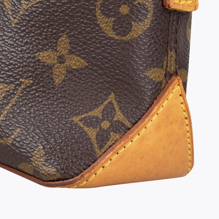 Louis Vuitton Trotteur Crossbody Bag For Sale 4