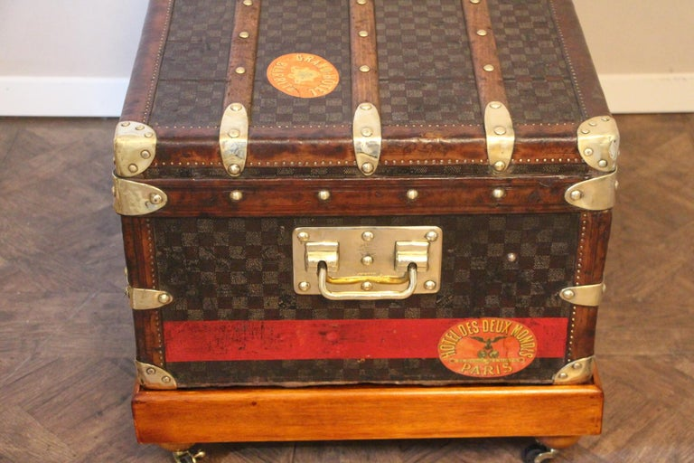 Louis Vuitton Trunk in Checkered Pattern, Damier Louis Vuitton Steamer Trunk For Sale 5