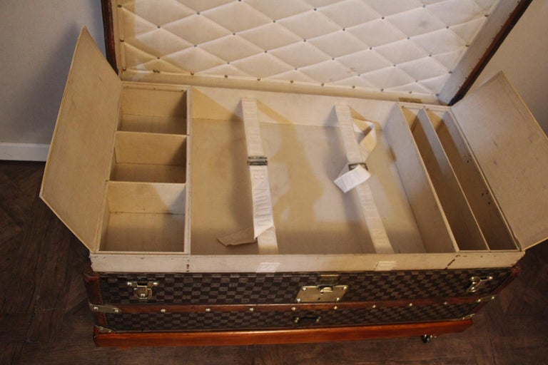 Louis Vuitton Trunk in Checkered Pattern, Damier Louis Vuitton Steamer Trunk For Sale 10