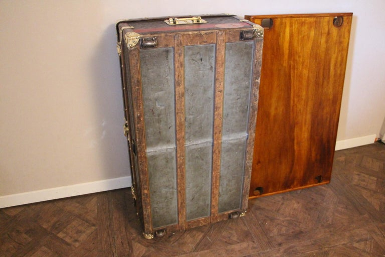 Louis Vuitton Trunk in Checkered Pattern, Damier Louis Vuitton Steamer Trunk For Sale 13