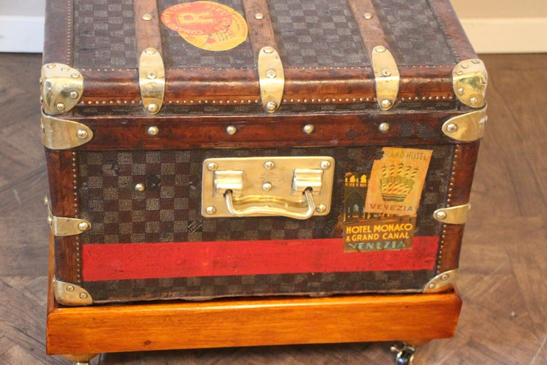 Louis Vuitton Trunk in Checkered Pattern, Damier Louis Vuitton Steamer Trunk For Sale 2