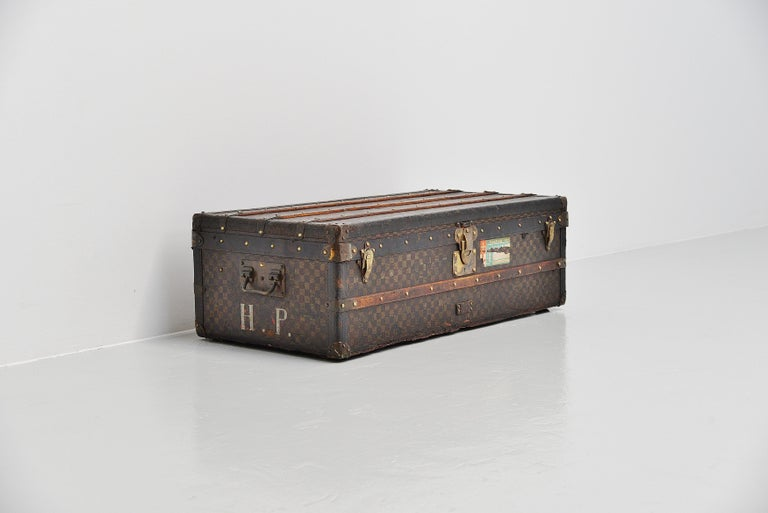 From the collection of Savineti we offer this very rare Louis Vuitton Damier Trunk: -Brand: Louis Vuitton -Model: Damier Trunk  -Year: 1910-1914 -Condition: Good (for its age, used); some losses on the sides and underside -> please have a close