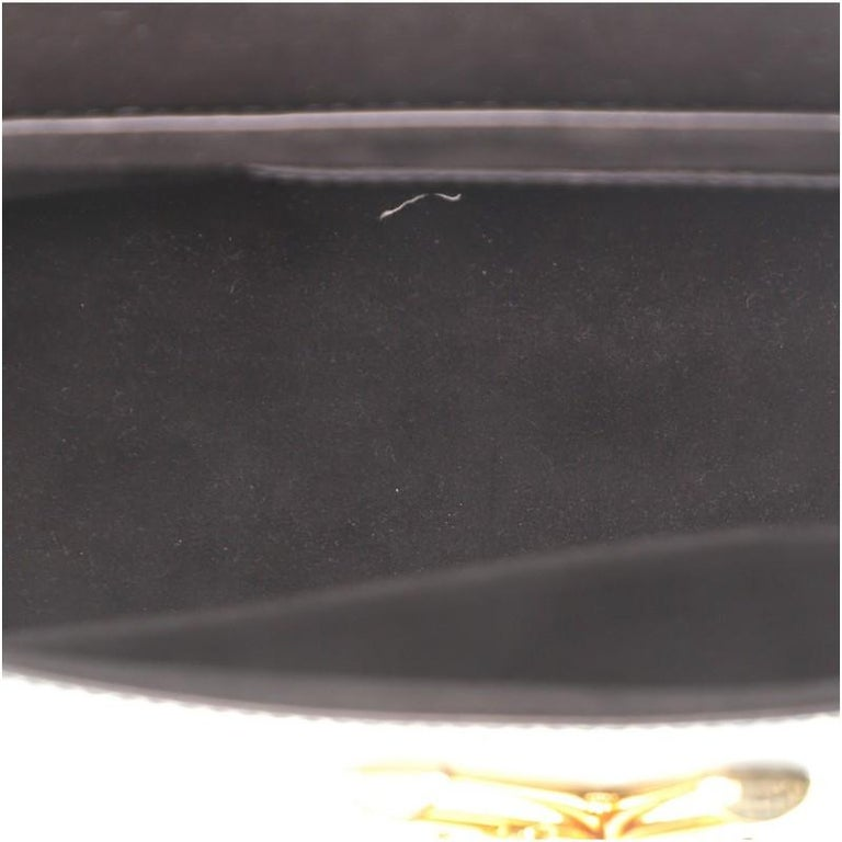 Louis Vuitton Twist and Twisty Handbag Epi Leather MM For Sale 2