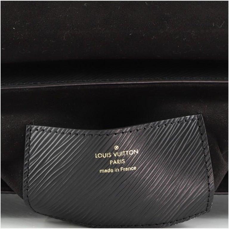 Louis Vuitton Twist and Twisty Handbag Epi Leather MM For Sale 4