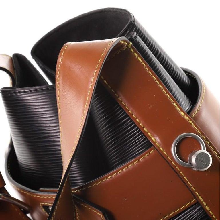 Louis Vuitton Twist Bucket Bag Epi Leather For Sale 2