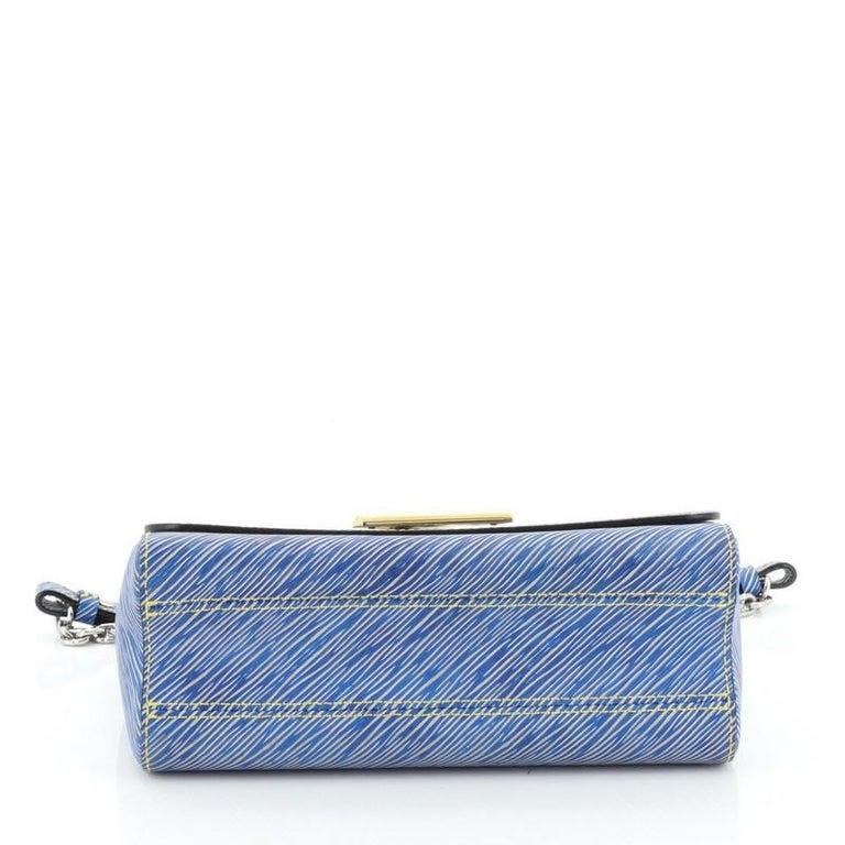 Louis Vuitton Twist Handbag Epi Leather MM  For Sale 2