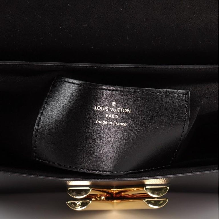 Louis Vuitton Twist Handbag Limited Edition Blossom Monogram Canvas MM For Sale 4